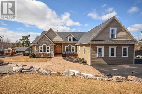 House for sale at 382 Piggott Ave Fall River Nova Scotia - MLS: 201904918