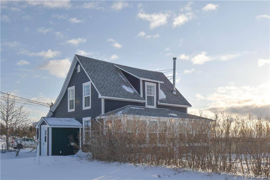 House for sale at 382 St-pierre Ouest Blvd Caraquet New Brunswick - MLS: NB040441