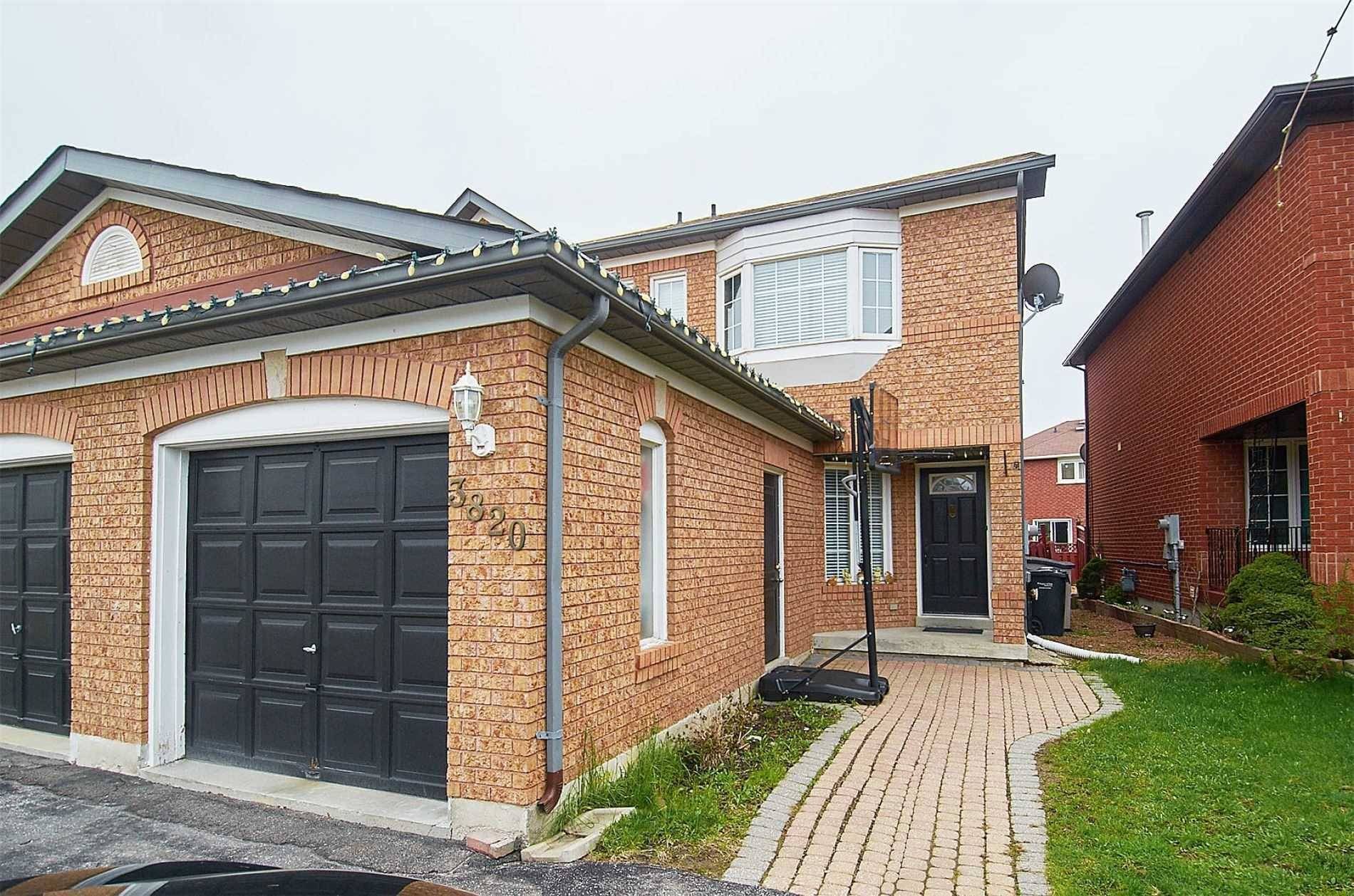 Townhouse for sale at 3820 Craighurst Ave Mississauga Ontario - MLS: W4543606