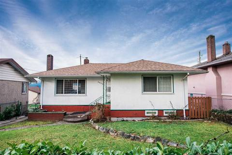 House for sale at 3825 Kincaid St Burnaby British Columbia - MLS: R2435028