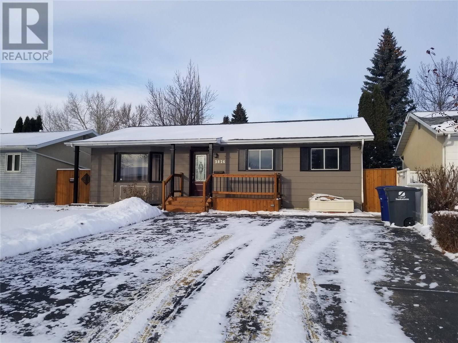 House for sale at 3826 Macdonald Rd Saskatoon Saskatchewan - MLS: SK793850