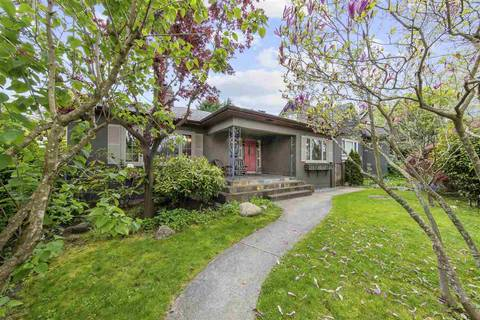 House for sale at 3828 Broadway  W Vancouver British Columbia - MLS: R2452359