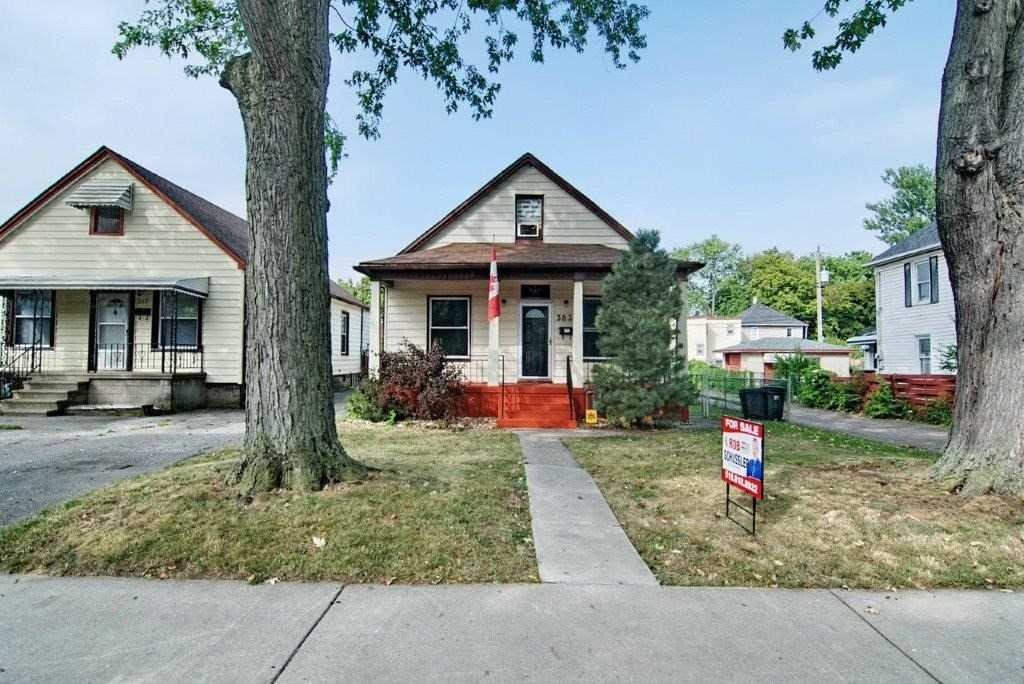 For Sale: 383 Curry Avenue, Windsor, ON | 4 Bed, 1 Bath House for $199900.00. See 17 photos!