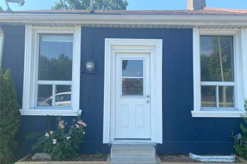 Townhouse for rent at 383 Main St Hamilton Ontario - MLS: X4927037