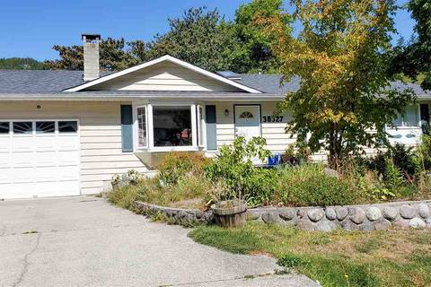 House for sale at 38327 Chestnut Ave Squamish British Columbia - MLS: R2400364