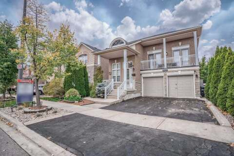 House for sale at 3833 Brinwood Gt Mississauga Ontario - MLS: W4963864