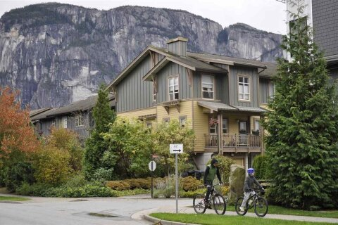 Townhouse for sale at 38374 Eaglewind Blvd Squamish British Columbia - MLS: R2511840