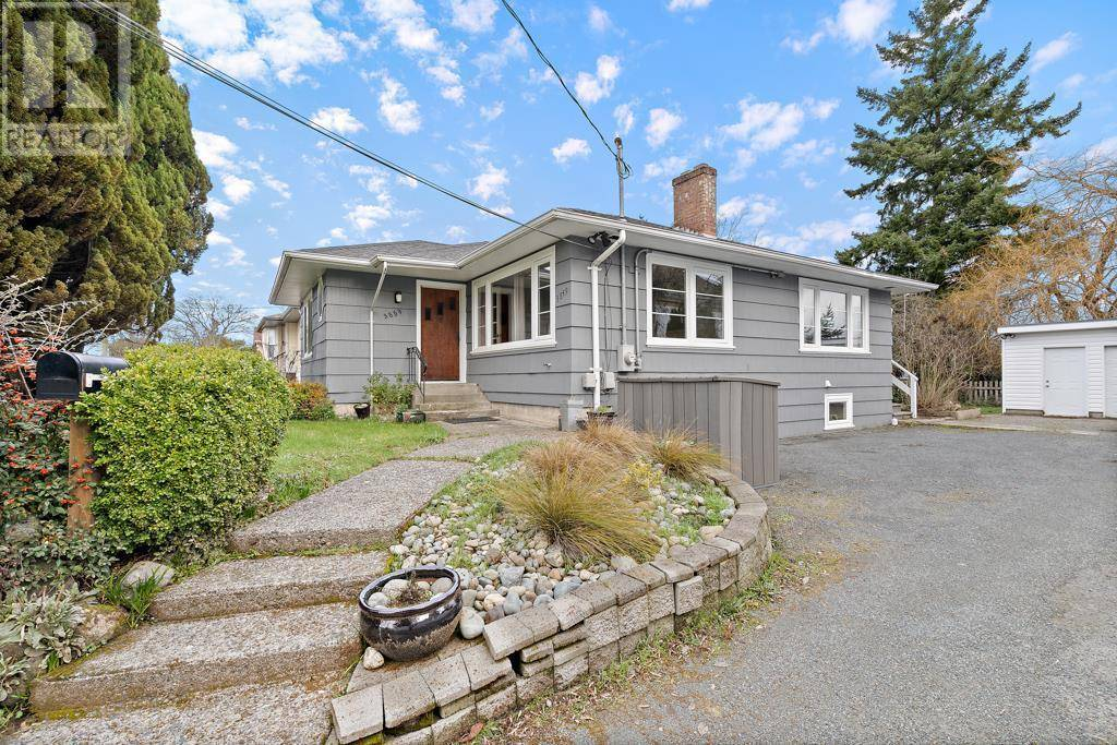 House for sale at 3859 Carey Rd Victoria British Columbia - MLS: 421234