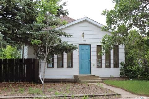 House for sale at 386 3rd St E Shaunavon Saskatchewan - MLS: SK803554