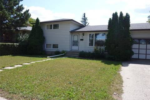 House for sale at 386 Froom Cres Regina Saskatchewan - MLS: SK782838