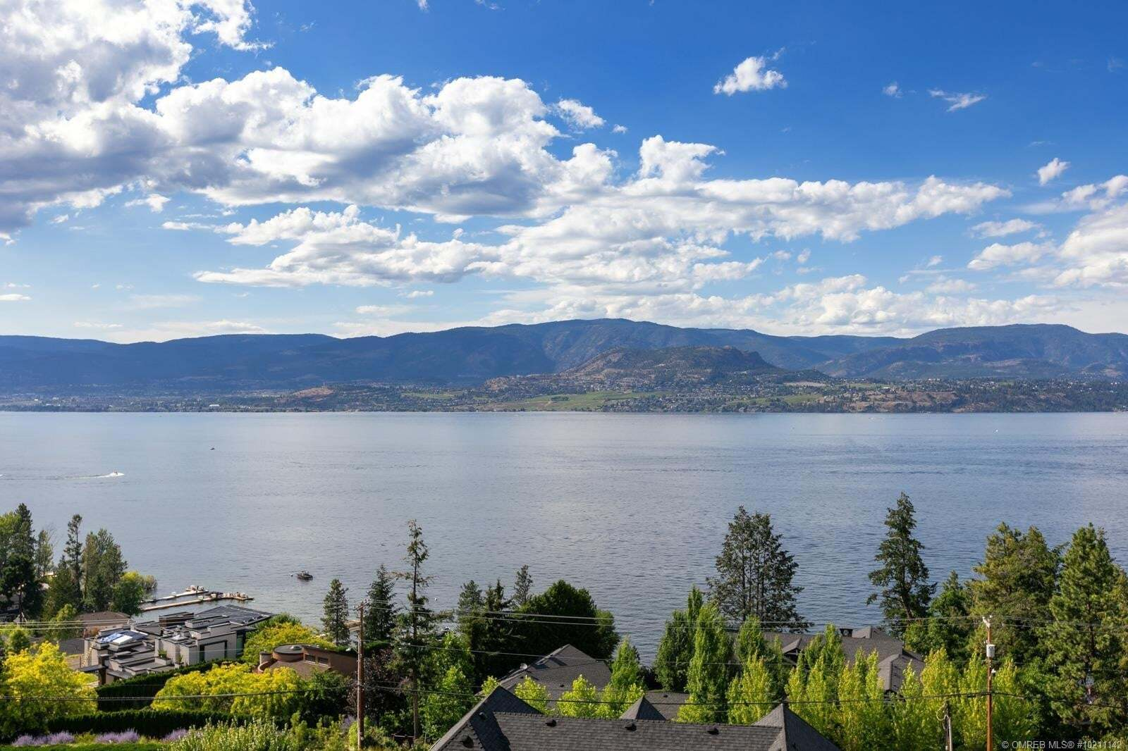 House for sale at 386 Uplands Ct Kelowna British Columbia - MLS: 10211142