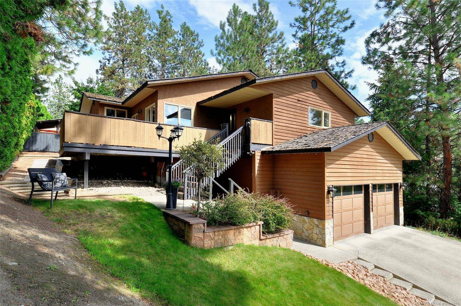 House for sale at 3875 Tillicum Ct Kelowna British Columbia - MLS: 10190181