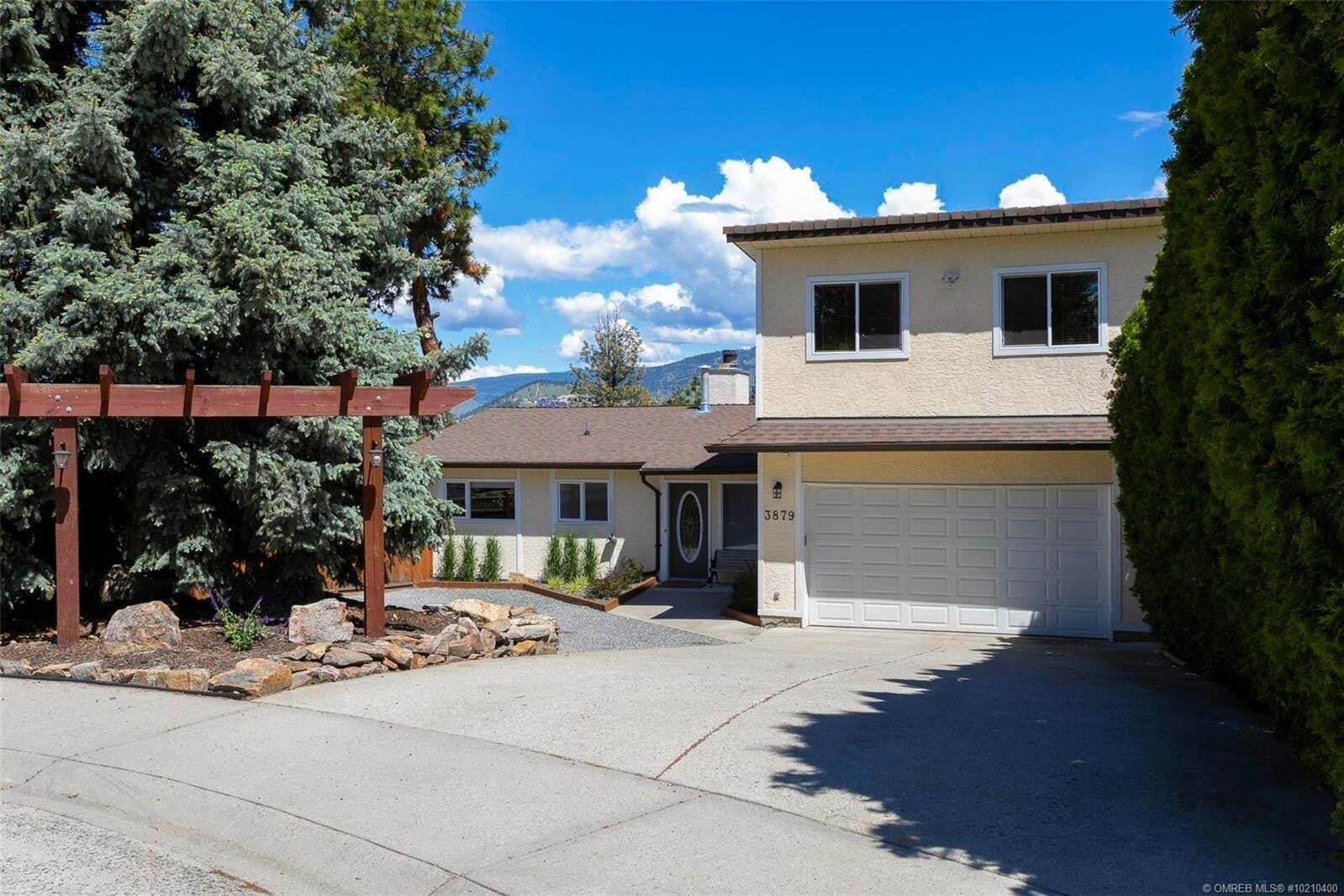 House for sale at 3879 Suncrest Ct Kelowna British Columbia - MLS: 10210400