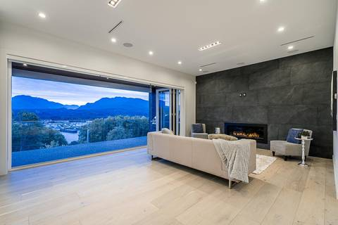 House for sale at 3881 Edinburgh St Burnaby British Columbia - MLS: R2377330