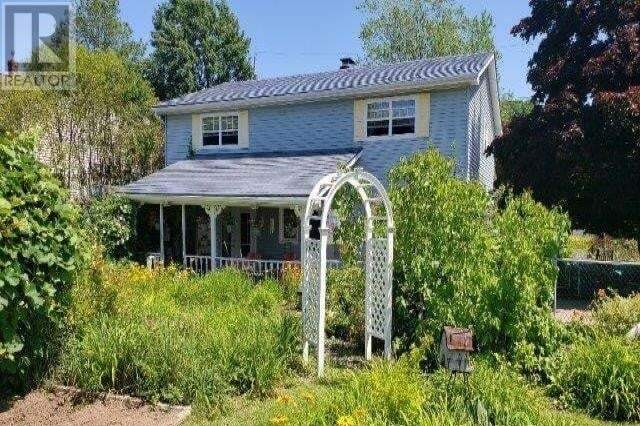 House for sale at 389 Essex Dr New Glasgow Nova Scotia - MLS: 202013721