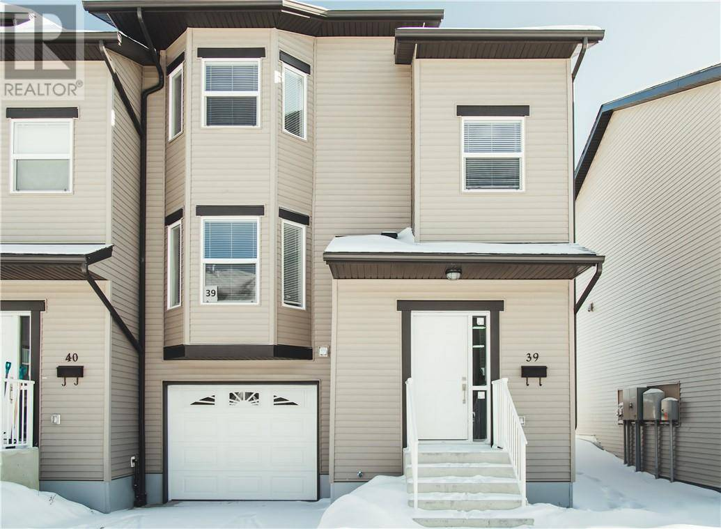 Townhouse for sale at 120 Warren Wy Unit 39 Fort Mcmurray Alberta - MLS: fm0189238