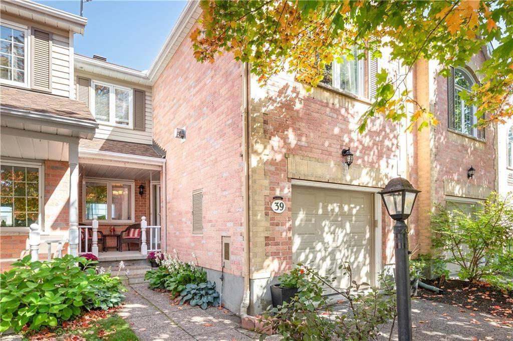 Townhouse for sale at 39 Crossing Bridge Ct Stittsville Ontario - MLS: 1170030