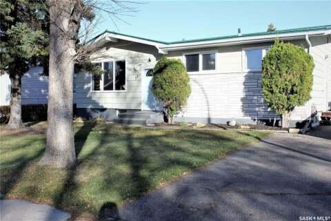 House for sale at 39 Deerwood Cres Yorkton Saskatchewan - MLS: SK803396