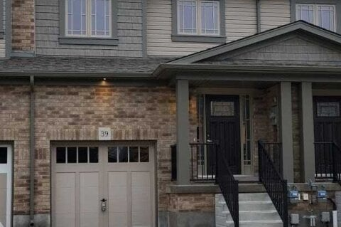 Townhouse for rent at 39 Foley Cres Collingwood Ontario - MLS: S5001977