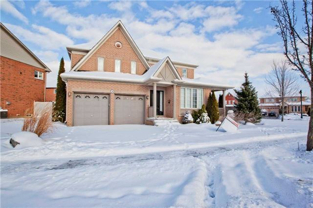 For Rent: 39 Goldlist Drive, Richmond Hill, ON | 4 Bed, 4 Bath House for $2,500. See 11 photos!