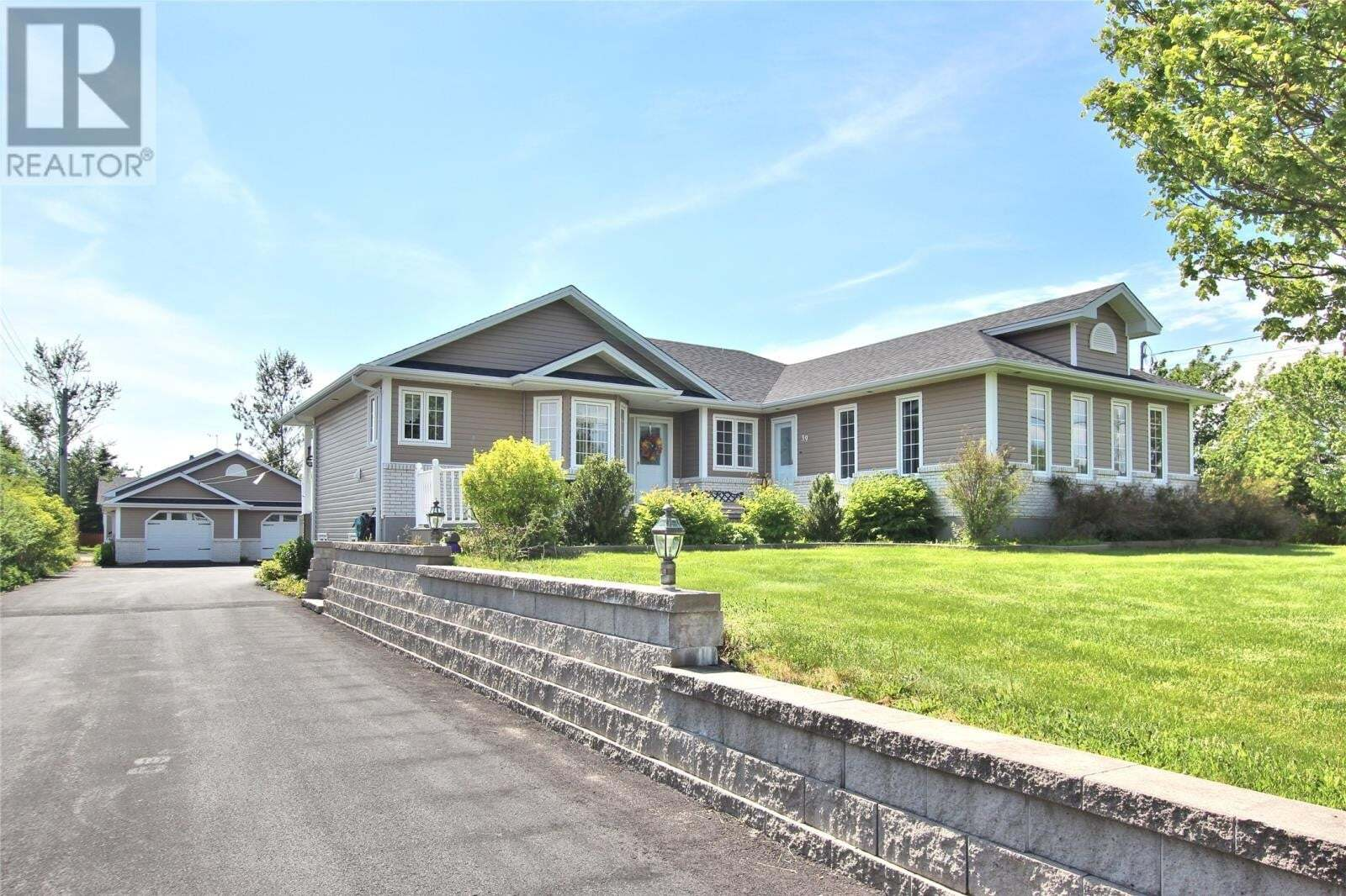 House for sale at 39 Greens Rd Bay Roberts Newfoundland - MLS: 1216319