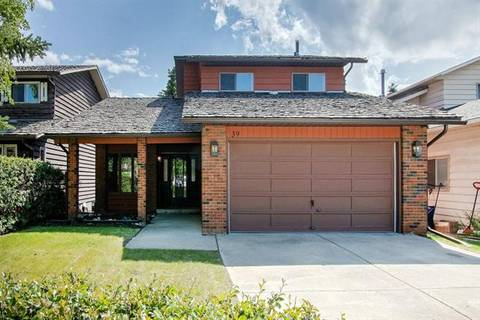 House for sale at 39 Hawkwood Rd Northwest Calgary Alberta - MLS: C4258070