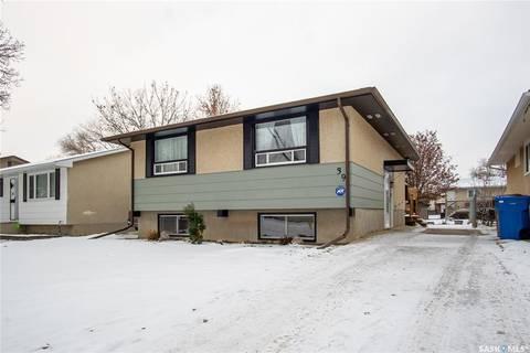 House for sale at 39 Hodges Cres Regina Saskatchewan - MLS: SK798438