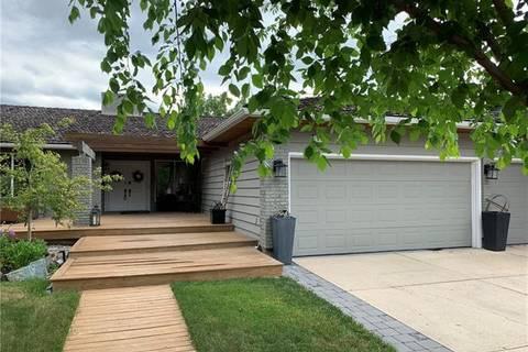 House for sale at 39 Lake Bonaventure Pl Southeast Calgary Alberta - MLS: C4236509
