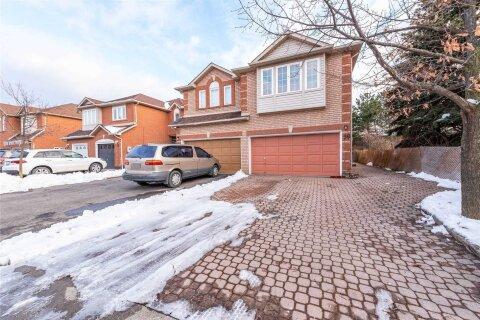 Townhouse for sale at 39 Lauraglen Cres Brampton Ontario - MLS: W5077496