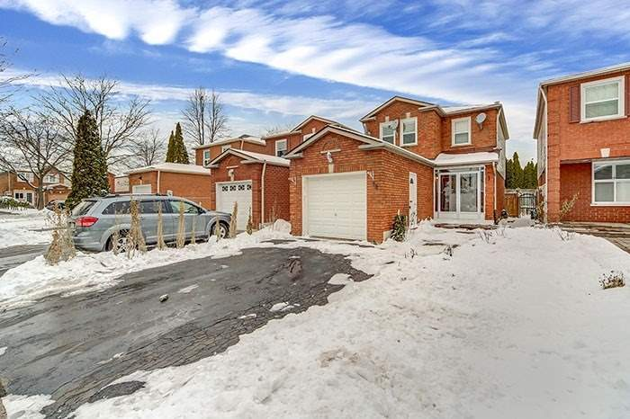 For Sale: 39 Marsdale Crescent, Toronto, ON | 3 Bed, 3 Bath House for $649900.00. See 12 photos!