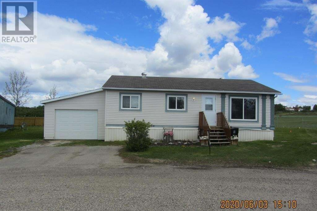 Home for sale at 39 Parkview Village  Beaverlodge Alberta - MLS: GP208841