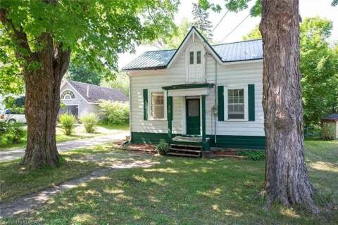 House for sale at 39 Queen St Kawartha Lakes Ontario - MLS: X4824400