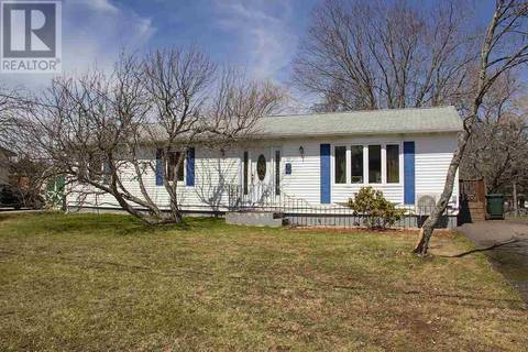 House for sale at 39 Rogers Ave Amherst Nova Scotia - MLS: 201908535
