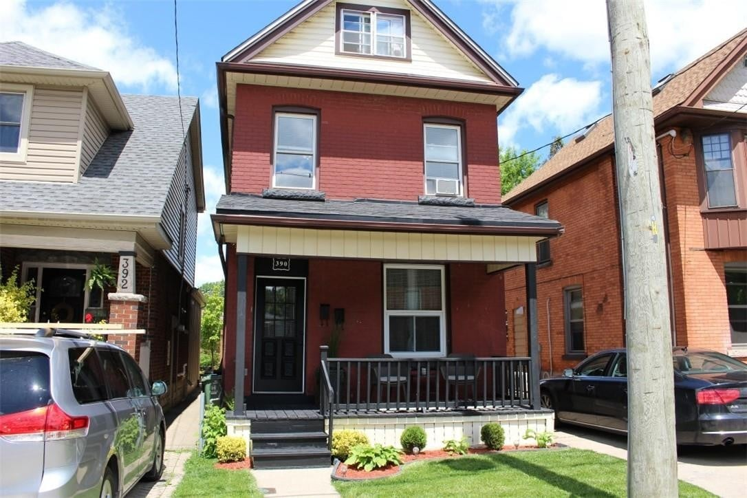 Townhouse for sale at 390 Charlton Ave W Hamilton Ontario - MLS: H4079142