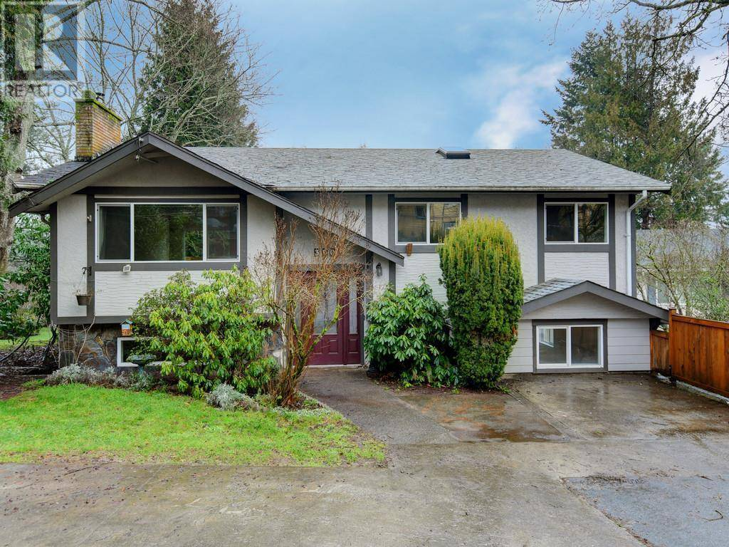 House for sale at 390 Wale Rd Victoria British Columbia - MLS: 420307
