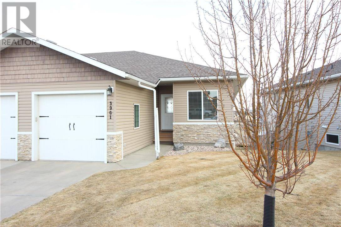 Townhouse for sale at 3901 75 St Camrose Alberta - MLS: ca0192489
