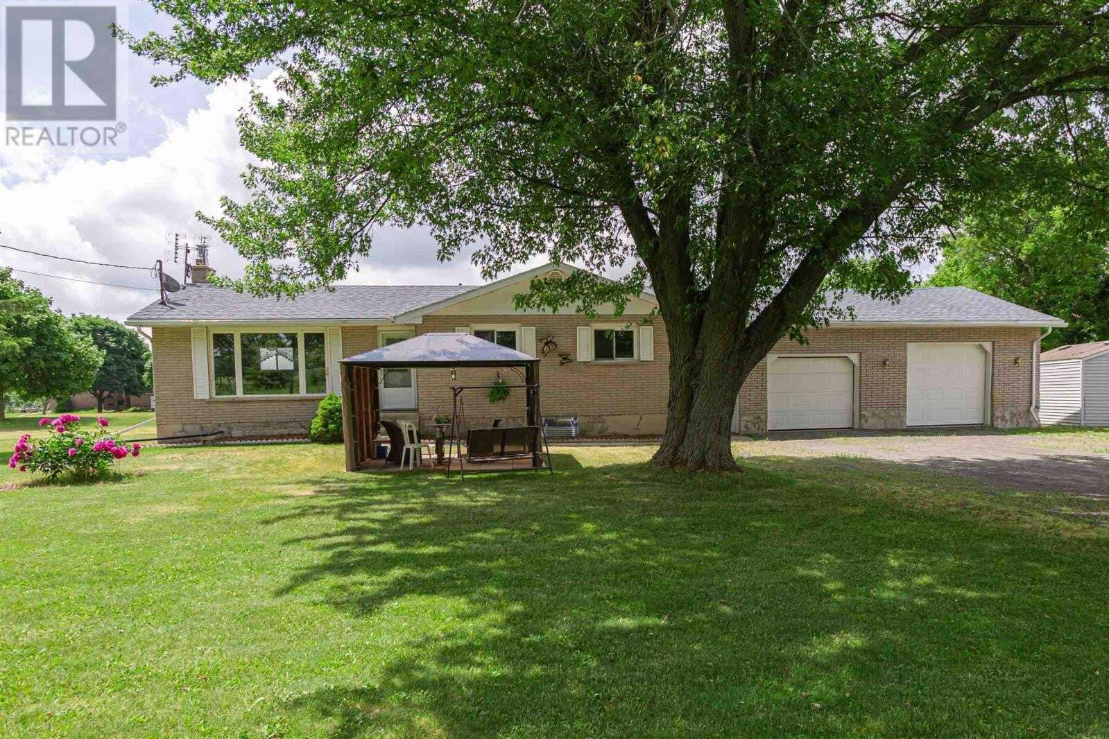 House for sale at 3901 Petworth Rd South Frontenac Ontario - MLS: K20003478