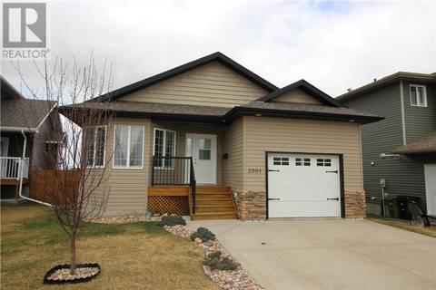 House for sale at 3904 76 St Camrose Alberta - MLS: ca0158668