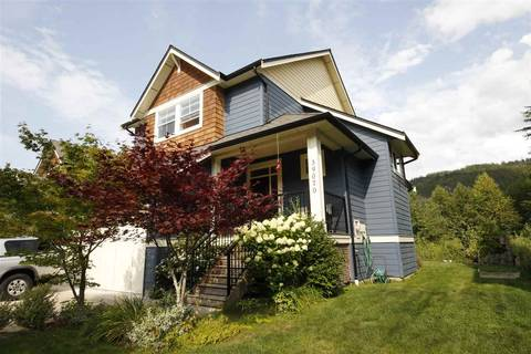 House for sale at 39070 Kingfisher Rd Squamish British Columbia - MLS: R2400268