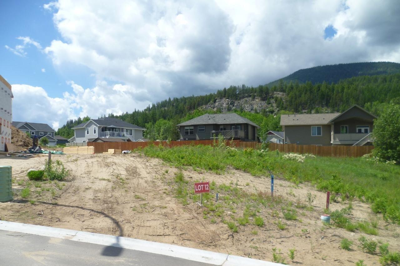 Residential property for sale at 3908 Grandview Drive  Castlegar British Columbia - MLS: 2450167
