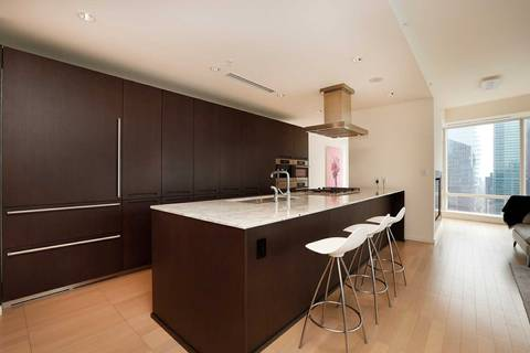 Condo for sale at 180 University Ave Unit 3909 Toronto Ontario - MLS: C4562560