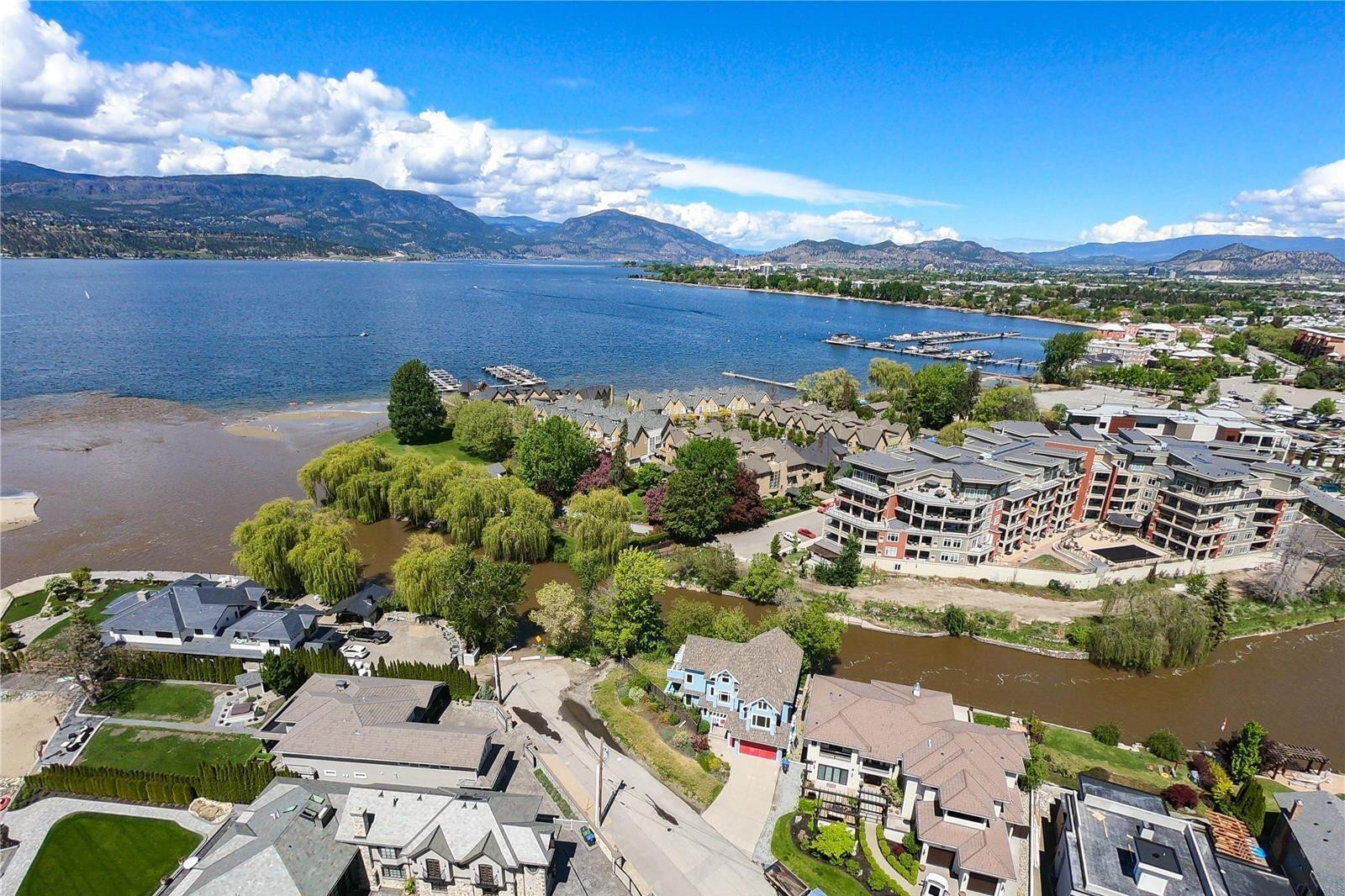 House for sale at 3909 Bluebird Rd Kelowna British Columbia - MLS: 10214660