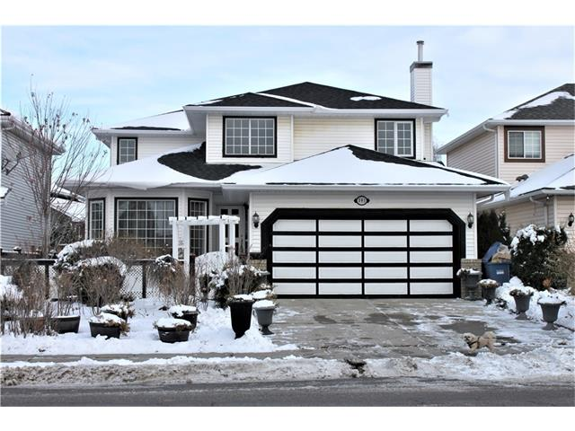 For Sale: 391 Douglas Woods Drive Southeast, Calgary, AB | 5 Bed, 4 Bath House for $539,000. See 51 photos!