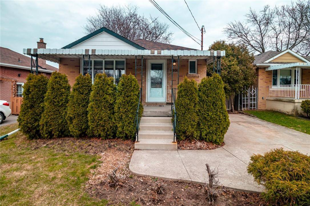 House for sale at 391 14th St East Hamilton Ontario - MLS: H4076156