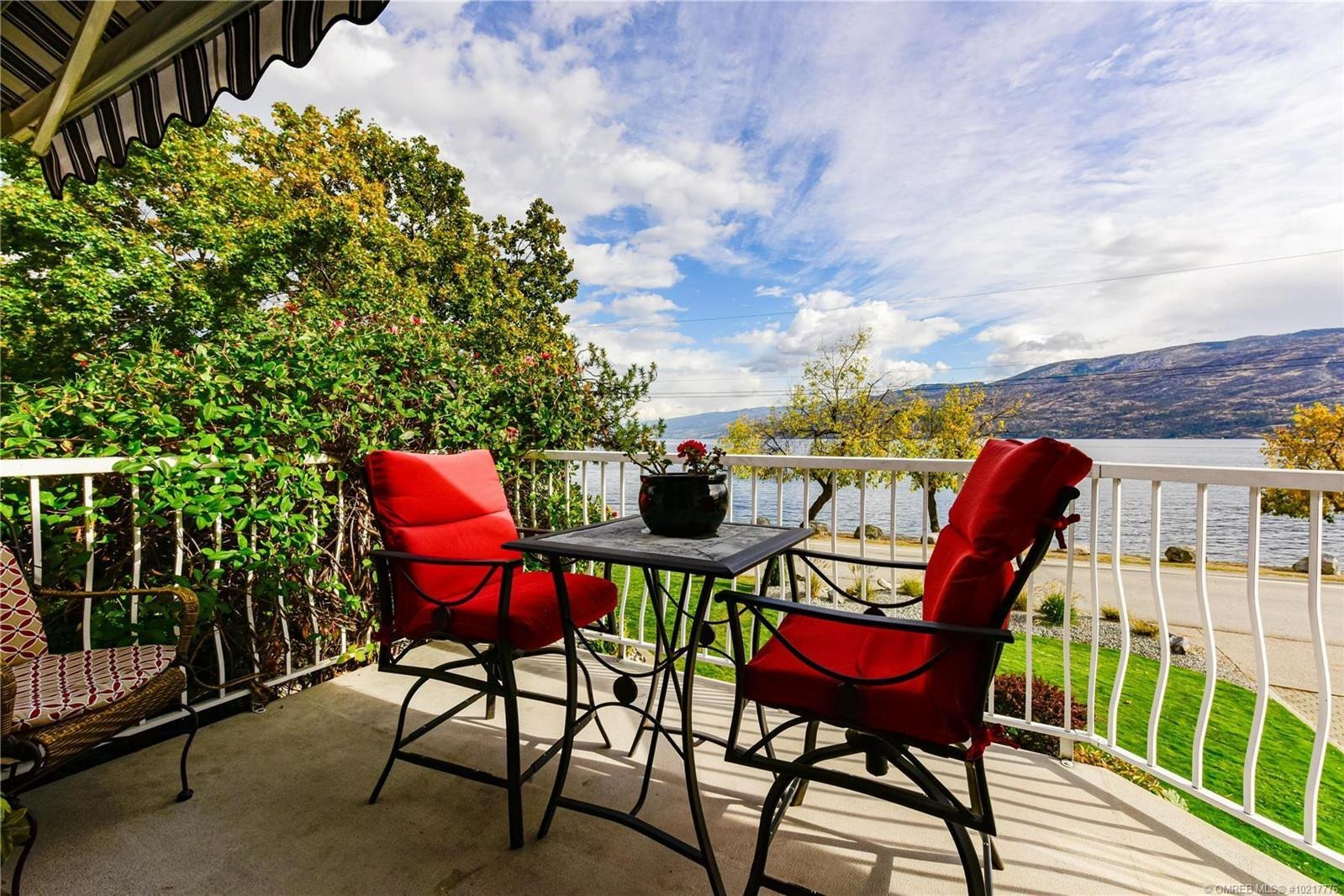 House for sale at 3910 Beach Ave Peachland British Columbia - MLS: 10217776