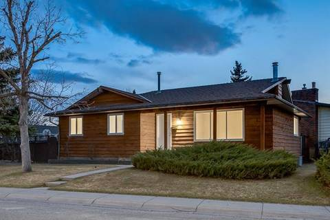 House for sale at 392 Whiteridge Cres Northeast Calgary Alberta - MLS: C4288589