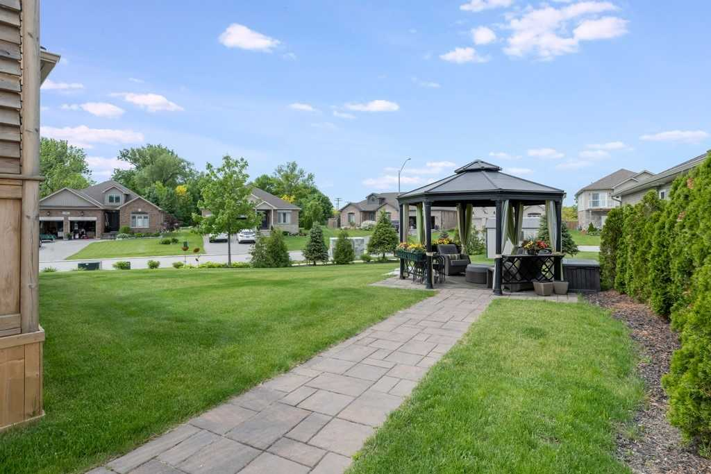 For Sale: 3922 Wood Avenue, Severn, ON   3 Bed, 3 Bath House for $709900.00. See 20 photos!
