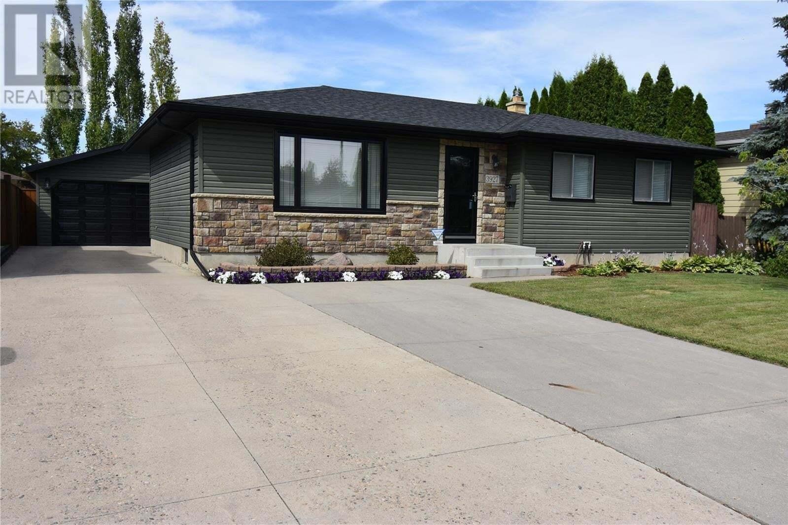 House for sale at 3927 Parkdale Rd Saskatoon Saskatchewan - MLS: SK820980