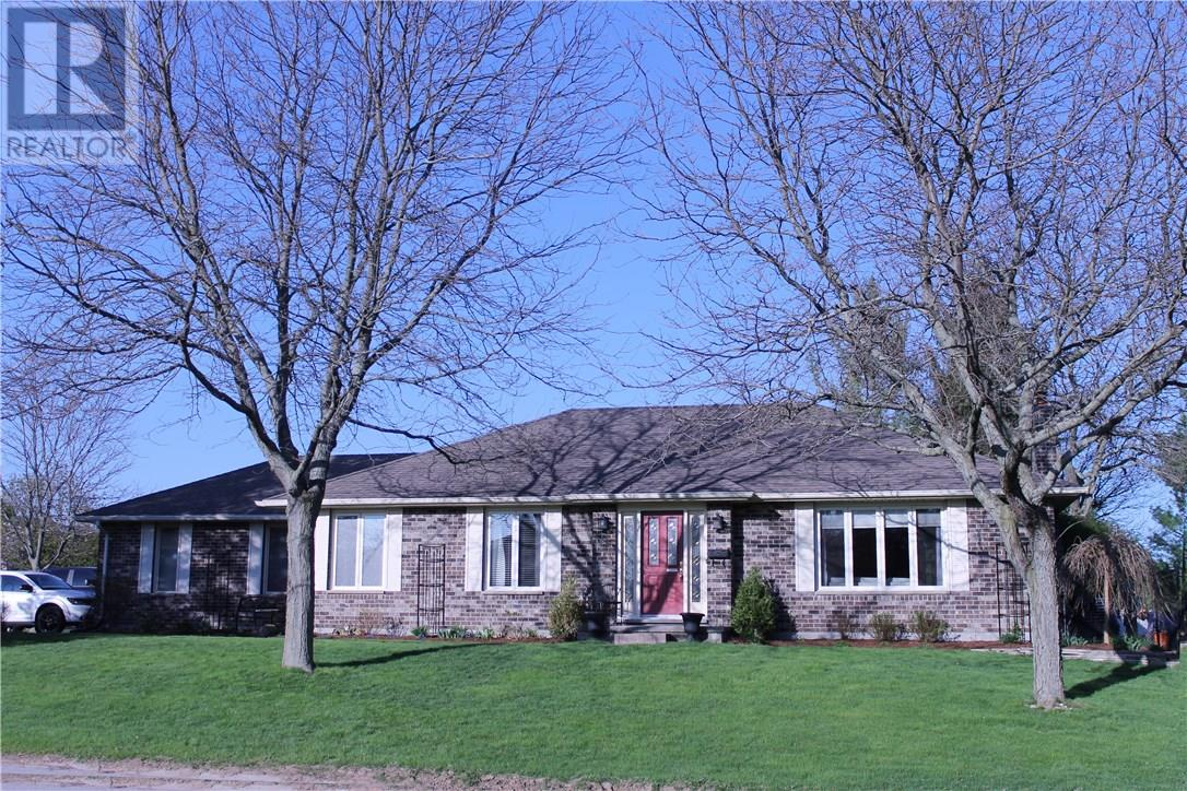 For Sale: 3929 Malpass Road, London, ON | 5 Bed, 3 Bath House for $549,900. See 14 photos!