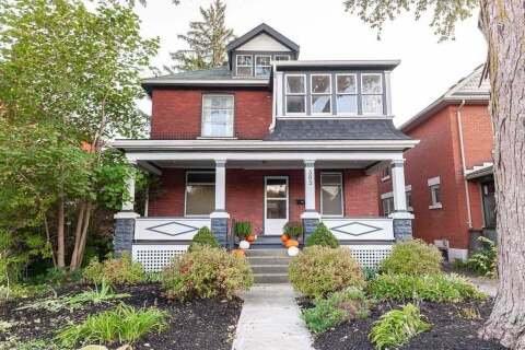 Townhouse for sale at 393 Ontario St Stratford Ontario - MLS: X4939829